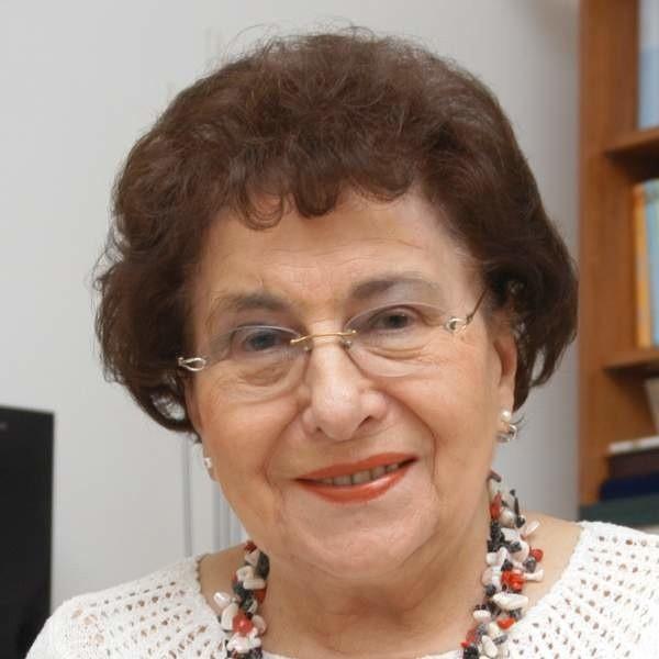 - Kołdry, buty i pościel są potrzebne, ale wpierw muszą stanąć domy - twierdzi prof. Simonides
