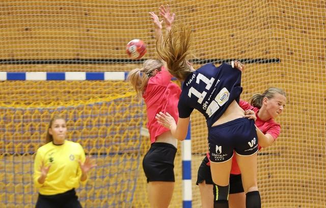 W trzeciej kolejce, Suzuki Korona Handball Kielce po raz trzeci zagra u siebie. Tym razem rywalem wicemistrzynie Polski.