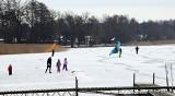 Miedwie zamarzło. Spacer po lodzie, na jeziorze na łyżwach. ZDJĘCIA