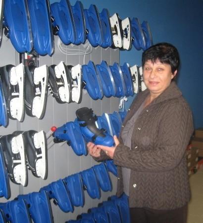- Mamy 130 par łyżew w wypożyczalni sprzętu - informuje Grażyna Burdach.
