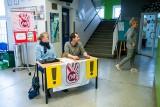 Strajk nauczycieli. Dzień drugi - puste ławki i cisza na korytarzach [ZDJĘCIA,WIDEO]