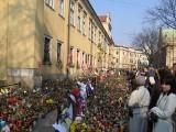 Piętnaście lat temu odszedł Jan Paweł II. W te pamiętne dni Kraków oddawał hołd papieżowi Polakowi [ZDJĘCIA]
