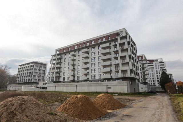 """Opcja nazwana """"lokal za grunt"""" ma ułatwić budownictwo mieszkaniowe w gminach."""