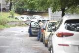 Parkowanie równoległe. Instrukcja krok po kroku