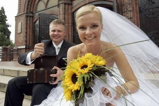 Ile na wesele 2020? Stawki 2021. Ile do koperty na wesele? Ile daje się młodym w kopercie na ślub i na wesele?