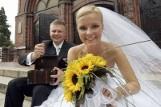 Ile na wesele 2021? Ile włożyć do koperty na ślub i wesele? Stawki 2021. Ile dają goście młodej parze na ślub i na wesele? 15.06.21