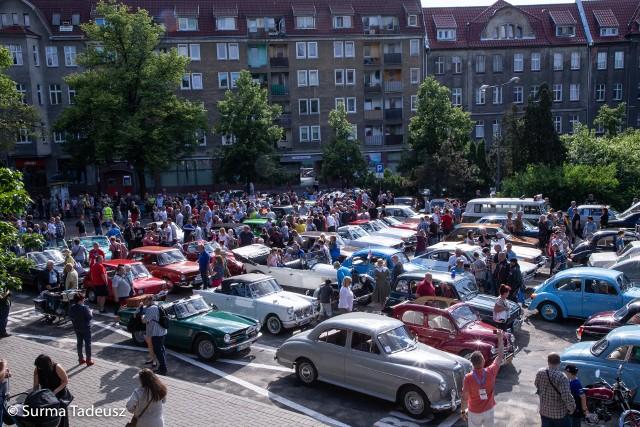 Parada Elegancji na pl. Wolności.