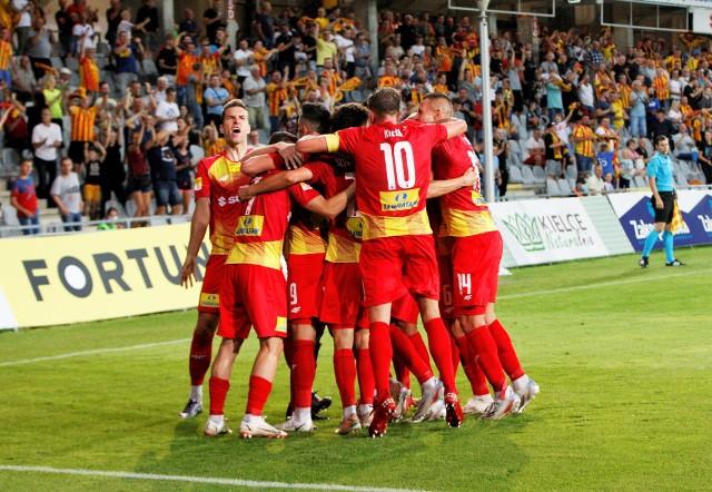 W piątek Korona Kielce wygrała 2:0 mecz pierwszej kolejki Fortuna 1 Ligi ze Skrą Częstochowa. Sprawdź, jak oceniliśmy żółto-czerwonych za to spotkanie w skali 1-10!