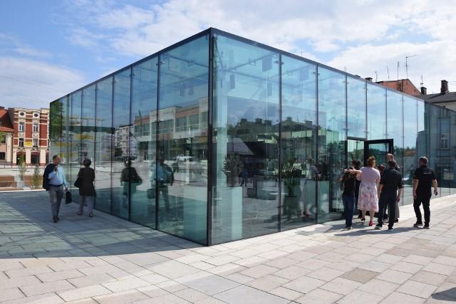 Nowa kawiarnia Alternatywa 21 została otwarta na Starym Rynku w CzęstochowieZobacz kolejne zdjęcia. Przesuwaj zdjęcia w prawo - naciśnij strzałkę lub przycisk NASTĘPNE