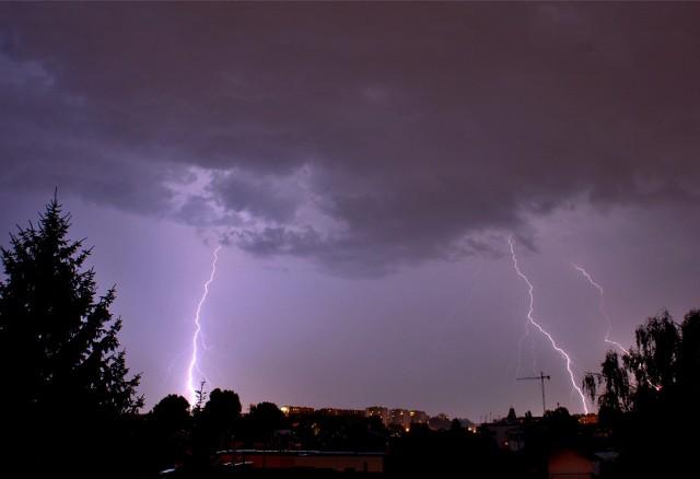 Meteorolodzy ostrzegają przed burzami nad częścią Podkarpacia.