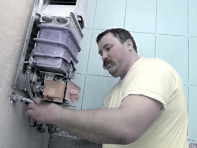 Fryderyk Woźniak, który od 10 lat prowadzi jednoosobową firmę instalatorską, twierdzi, że na dobrą markę trzeba pracować długo i ciężko.