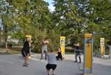Poćwicz za darmo z trenerem na siłowni w parku