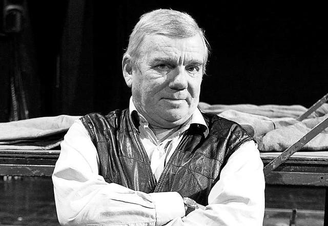 Adam Baumann nie żyje. Aktor zmarł w wieku 73 lat. Grał w licznych przedstawieniach teatralnych, a także w filmach i serialach telewizyjnych.