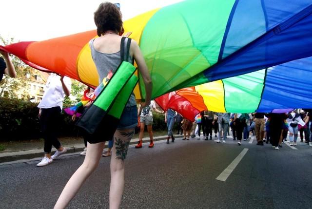 O tej sprawie pisaliśmy już w kontekście uchwalenia w 2019 roku przez Radę Powiatu Jarosławskiego deklaracji o powstrzymywaniu tzw. ideologii LGBT.