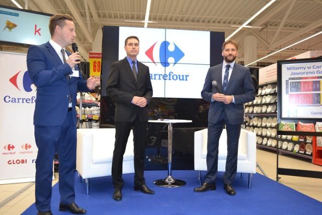 W galerii Galena w Jaworznie w piątek został otworzony kolejny w mieście Carrefour. Jednak takiego hipermarketu nie było jeszcze w Jaworznie. Rozmawiamy o tym z Robertem Noceniem, członkiem Zarządu Carrefour Polska, dyrektorem ds. eksploatacji hipermarketów i Markiem Migasem, dyrektorem nowego hipermarketu Carrefour w Jaworznie.