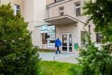 Pacjenci przychodni Bydgoszcz Leśna nie mogli wejść do placówki. Dlaczego?