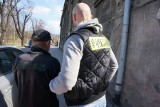 Sadysta z Bielska-Białej utopił szczeniaki w rzece [ZDJĘCIA + WIDEO] Był wyjątkowo okrutny