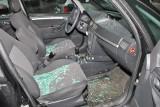 Tarnobrzeg. 34-latek roztrzaskał szybę w budynku stacji paliw a potem w cudzym samochodzie