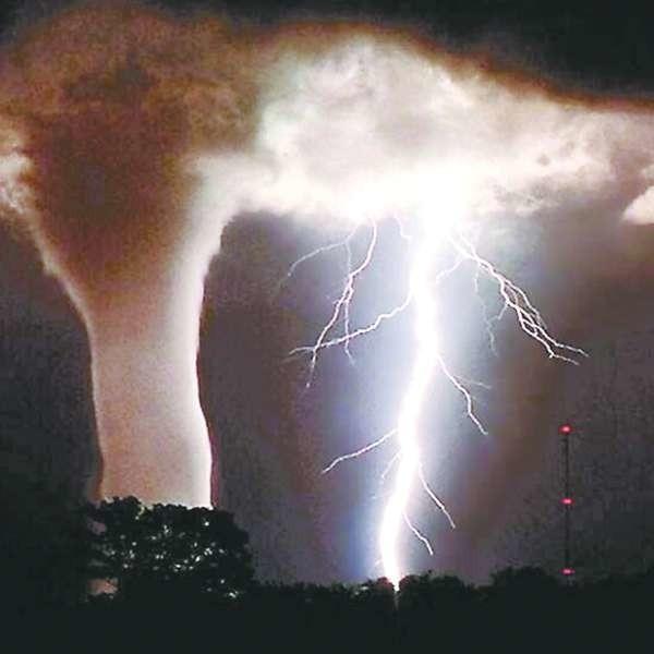 Najwięcej tornad tworzy się w teksasie - średnio 124 rocznie.