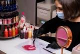 Wiosna 2021. Zdrowy duch w zdrowym ciele: zacznij od remanentu w swojej kosmetyczce - radzą eksperci [29.03.2021]