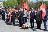 Obchody 1 maja w Częstochowie na Placu Pamięci Narodowej ZDJĘCIA Było o nauczycielach, prawach pracowniczych i wyborach europejskich