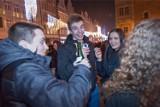 Nie będzie mandatów za lampkę szampana na ulicy, ale za butelkę wódki – już tak