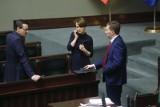 Tarcza Antykryzysowa 2.0 uchwalona przez Sejm. Co zawiera nowy projekt? Szczegóły nowego pakietu pomocowego