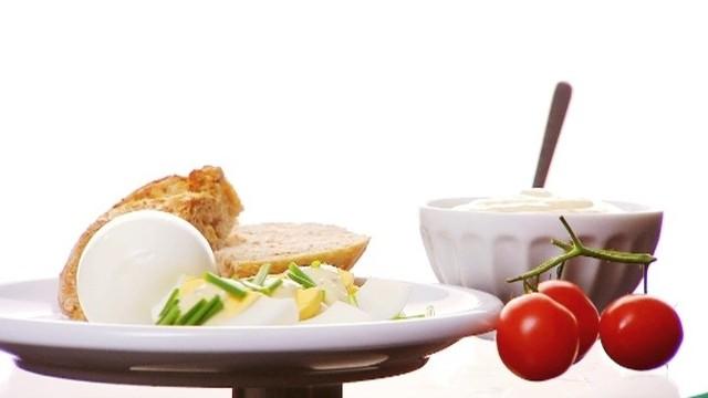 Jak zrobić domowy majonez (WIDEO)Jak zrobić domowy majonez (WIDEO)