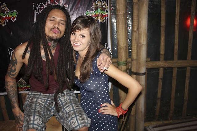 Joanna Polkowska w najbardziej imprezowym filipińskim mieście Boracay. Swoje przygody opisuje na blogu www.wteiwewtamte.pl