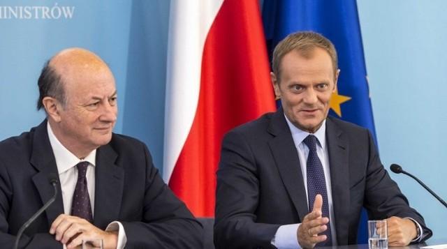 Jacek Rostowski (z lewej) i premier Donald Tusk.