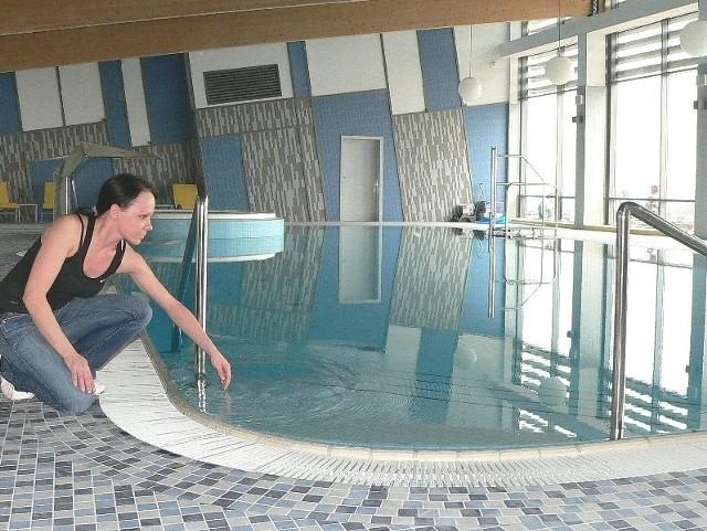 Basen z podgrzewaną wodą – to jedna z atrakcji nowego buskiego hotelu Słoneczny Zdrój.