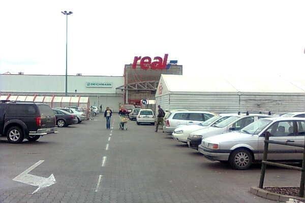 Real przy ulicy Radomskiej w Kielcach pokonał w konkursie hipermarkety z Warszawy i Lublina.