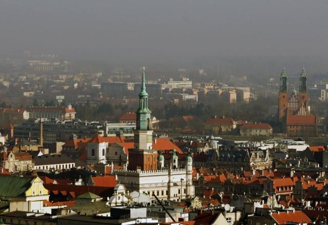 Wraz ze spadkiem temperatury i delikatnymi opadami deszczu polepszyła się też jakość powietrza w stolicy Wielkopolski.