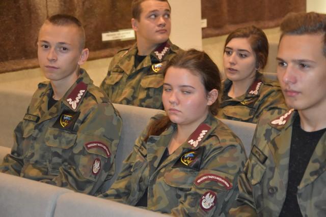 Konferencja była adresowana przede wszystkim do dyrektorów szkół. Organizatorzy przygotowali dla nich propozycje lekcji historii o odzyskaniu niepodległości, ze szczególnym uwzględnieniem Jasnej Góry.