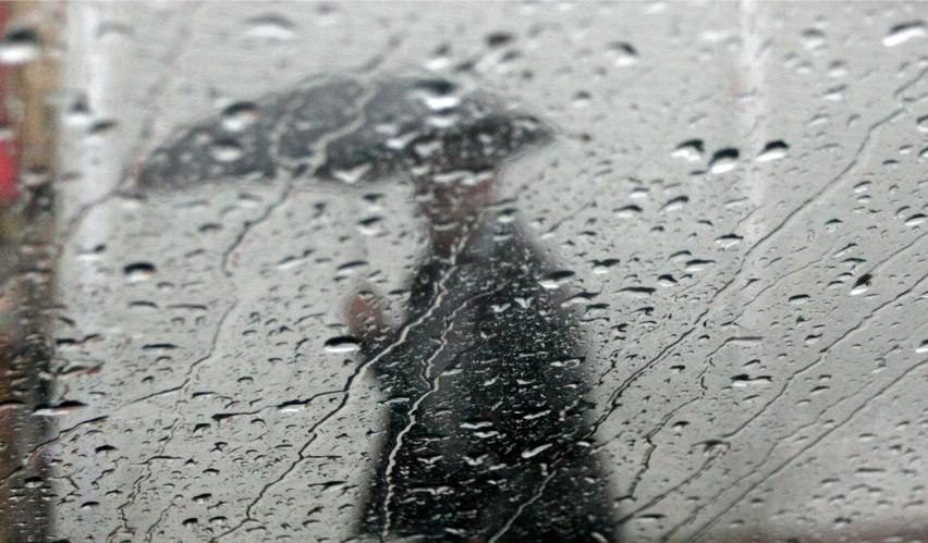 Deszcz i silny wiatr nie dają za wygraną