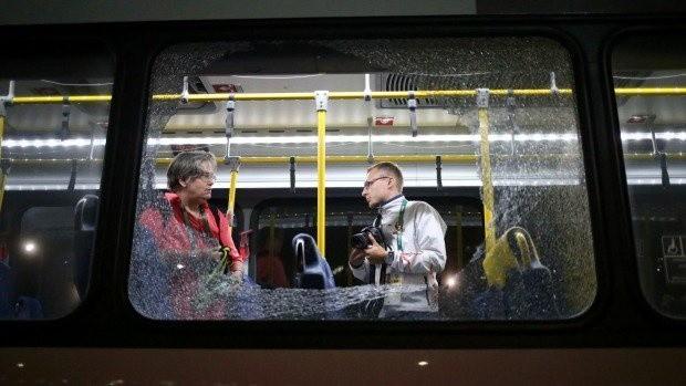 Ostrzelany autobus dziennikarzy