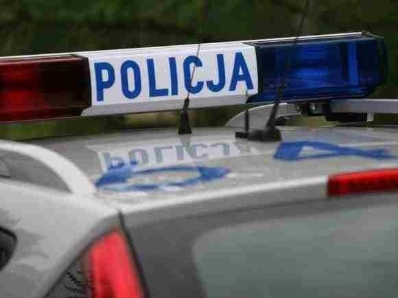 Kierowca BMW uciekał przed policją.