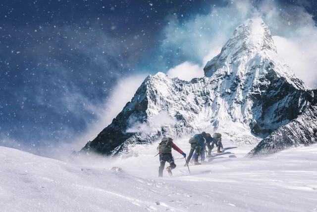 O zimowym wejściu na szczyt K2 nepalskich himalaistów mówi cały świat. To dobra okazja, by zgłębić ten temat i wyruszyć w książkową wyprawę po górach, o których opowiedziało już wielu słynnych himalaistów i alpinistów. Sprawdź nasze TOP 15 najlepszych książek o zdobywaniu najwyższych szczytów!Przejdź dalej --->