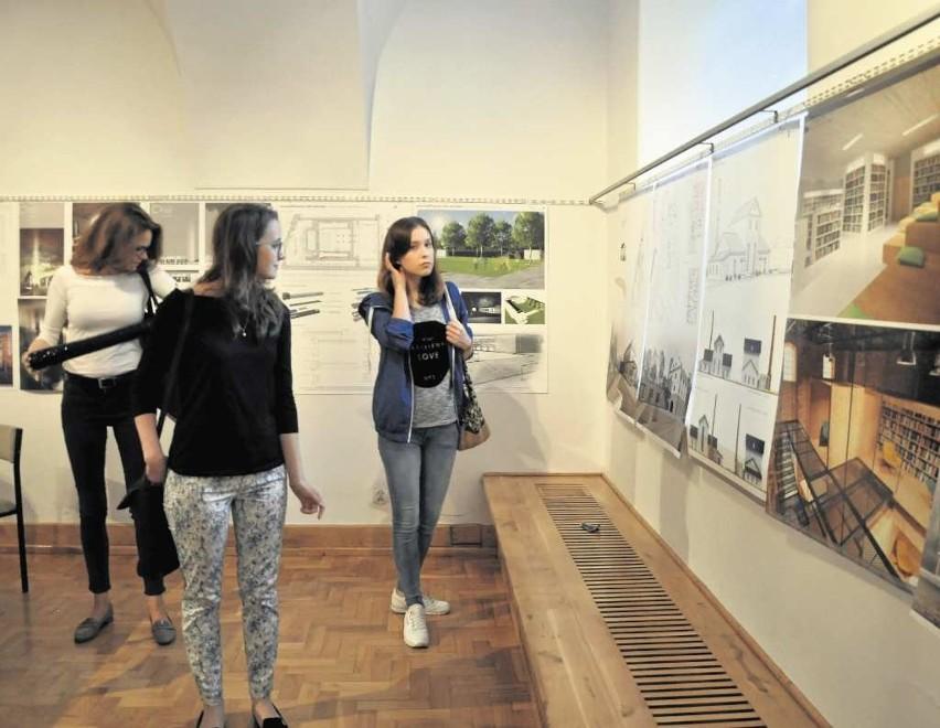 Studenckie prace można oglądać na wystawie przy ul. Kanoniczej 1