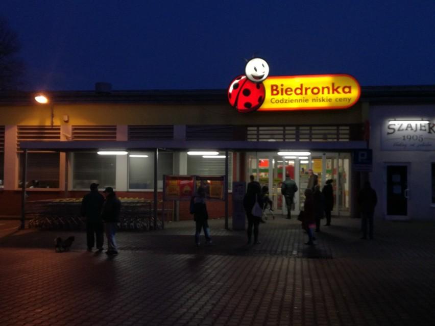 Krótko po godz. 15 została ewakuowana Biedronka przy ul....