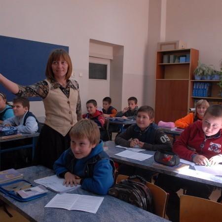 Cała klasa Vd wie już, że wulgaryzmy to paskudna rzecz. Mówi o tym nie tylko wychowawczyni Renata Ociepa, ale także liczne spektakle szkolnego teatrzyku.