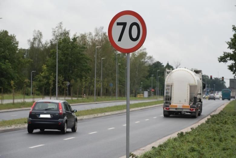 Wyższe mandaty za prędkość. Polacy ich chcą? Co mówią rządowe dane?