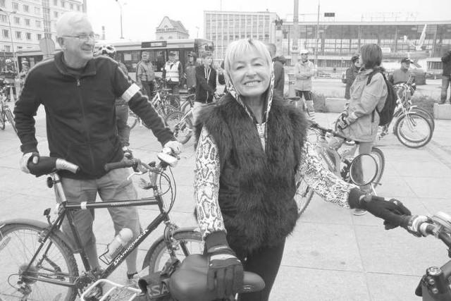 """Ewa Batorska – założycielka pierwszego w Kielcach fitness klubu i Zbigniew Batorski przez lata w Telewizji Polskiej oddział Kielce. Razem działali w Stowarzyszeniu """"50 plus, minus"""". To zdjęcie zrobiliśmy im w 2013 roku."""