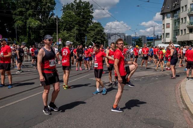 Bieg Lotto Poznański Czerwiec 56 to wyjątkowa impreza biegowa, łącząca sport i rekreację z historią Polski i naszego miasta