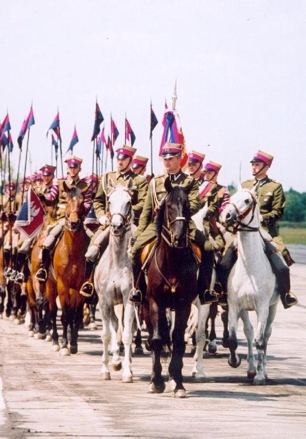 W dzisiejszej defiladzie weźmie udział także  Reprezentacyjny Szwadron Kawalerii Wojska  Polskiego.