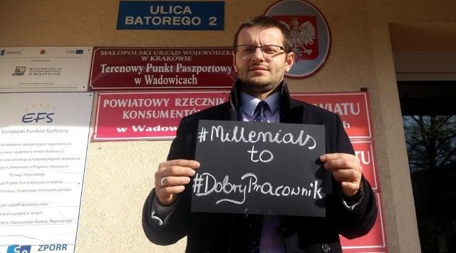 W Wadowicach włodarze pokłócili się o wartość młodych pracowników. Na zdjęciu starosta Bartosz Kaliński