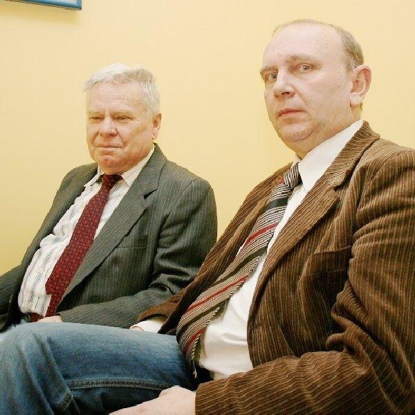 """Adam Prokopiak (z lewej), były prezes  """"Lutni"""" i obecny - Dariusz Słomski."""