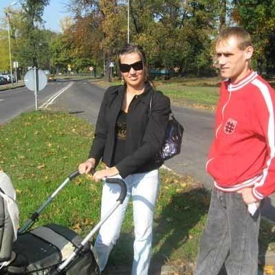 - Na placu Łużyckim tylko rondo uspokoi ruch, będzie bezpiecznej - mówią Anna Kowalewska i Paweł Kocioł.