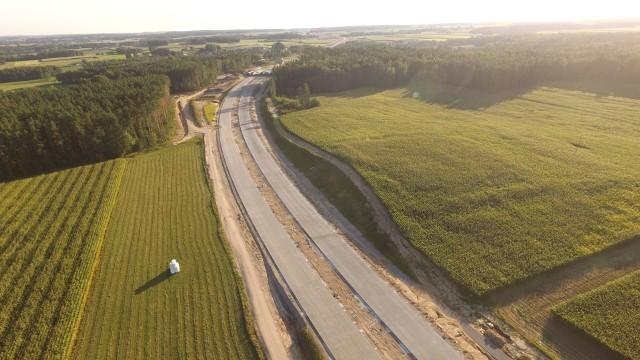 Zdjęcie ilustrujące budowę drogi ekspresowej S61 na polskim odcinku międzynarodowego korytarza VIA BALTICA
