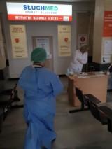 Przez epidemię koronawirusa jest zakaz odwiedzin i przynoszenia paczek w szpitalu wojewódzkim. Pacjenci muszą sobie radzić sami (ZDJĘCIA)